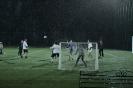 Дождь только раззадоривает истинные футбольные страсти